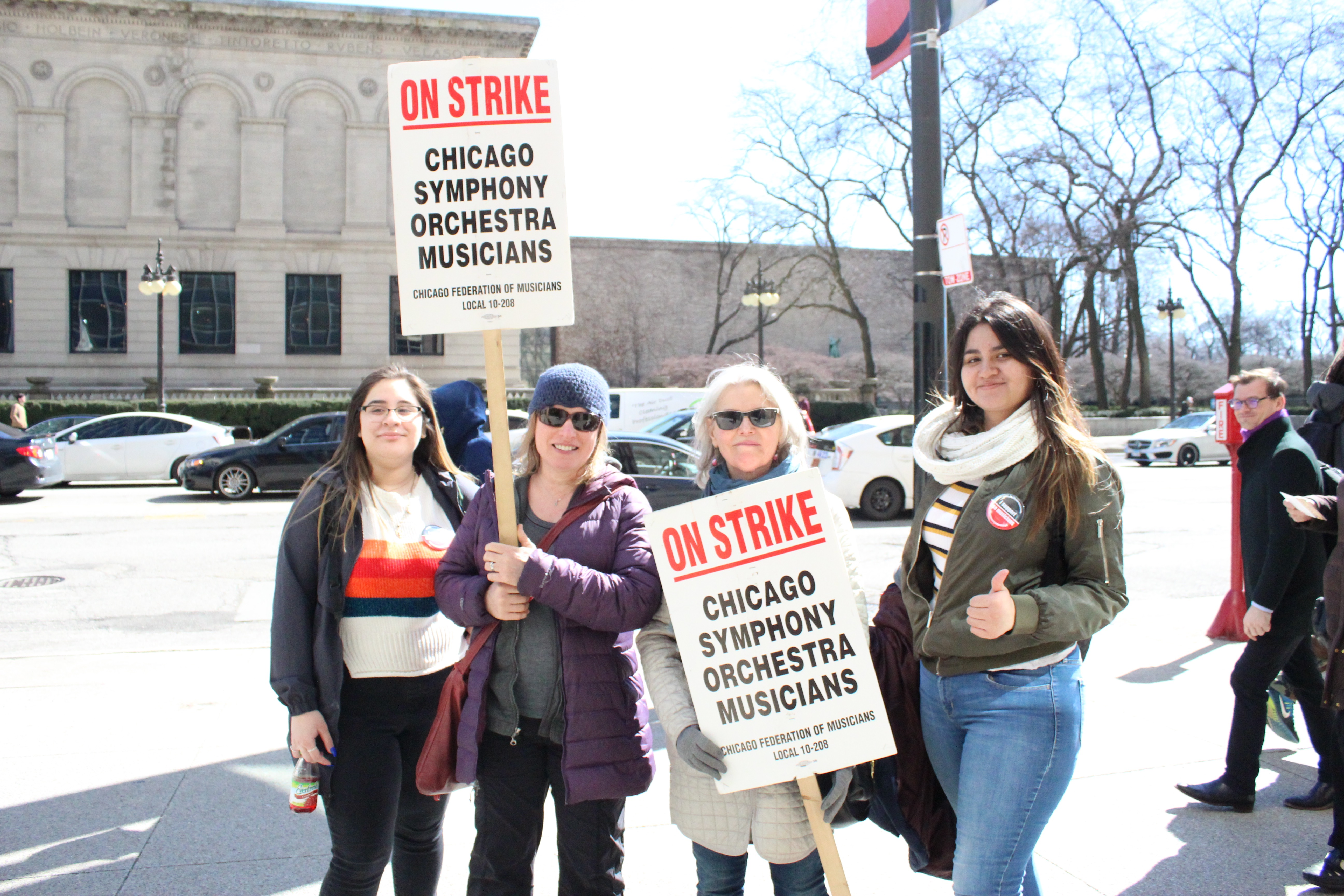 Steinmetz students support the strikers at the Chicago Symphony Orchestra on Friday, March 22. Steinmetz Star photo by America Flores.