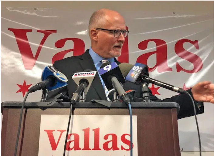 Paul Vallas announces his plans for the Chicago public schools on Nov. 16. Fran Spielman photo, Chicago Sun-TImes.